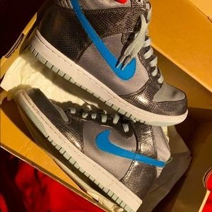 Nike Dunk Premium comes with box